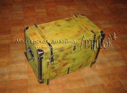 Сундучок для хранения инструментов и хохоряжек из транспортировочного ящика